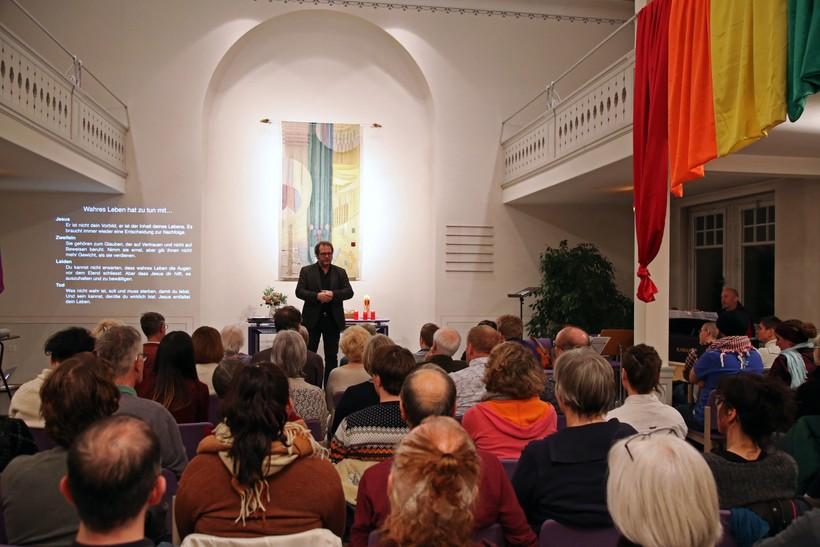 Regenbogenkirche: Regenbogengottesdienst